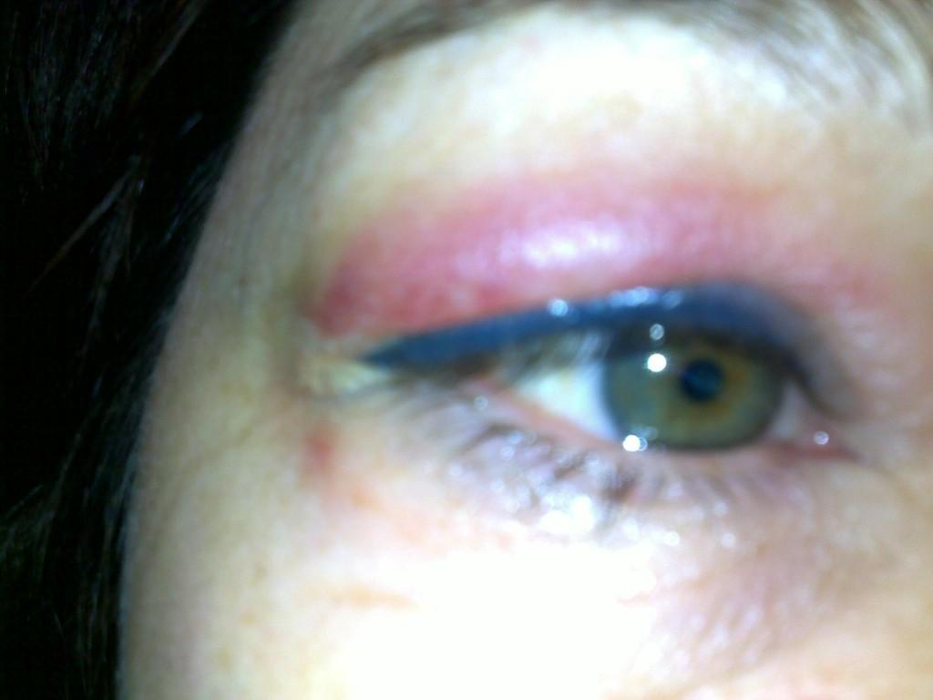 traits d eye liner maquillage permanent l institut messaline de boulogne peauaime. Black Bedroom Furniture Sets. Home Design Ideas